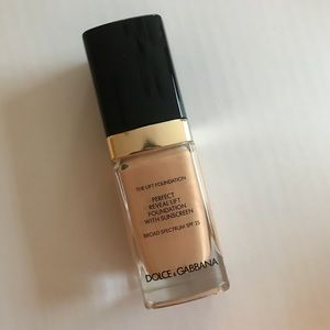 Dolce & Gabbana the lift foundation.